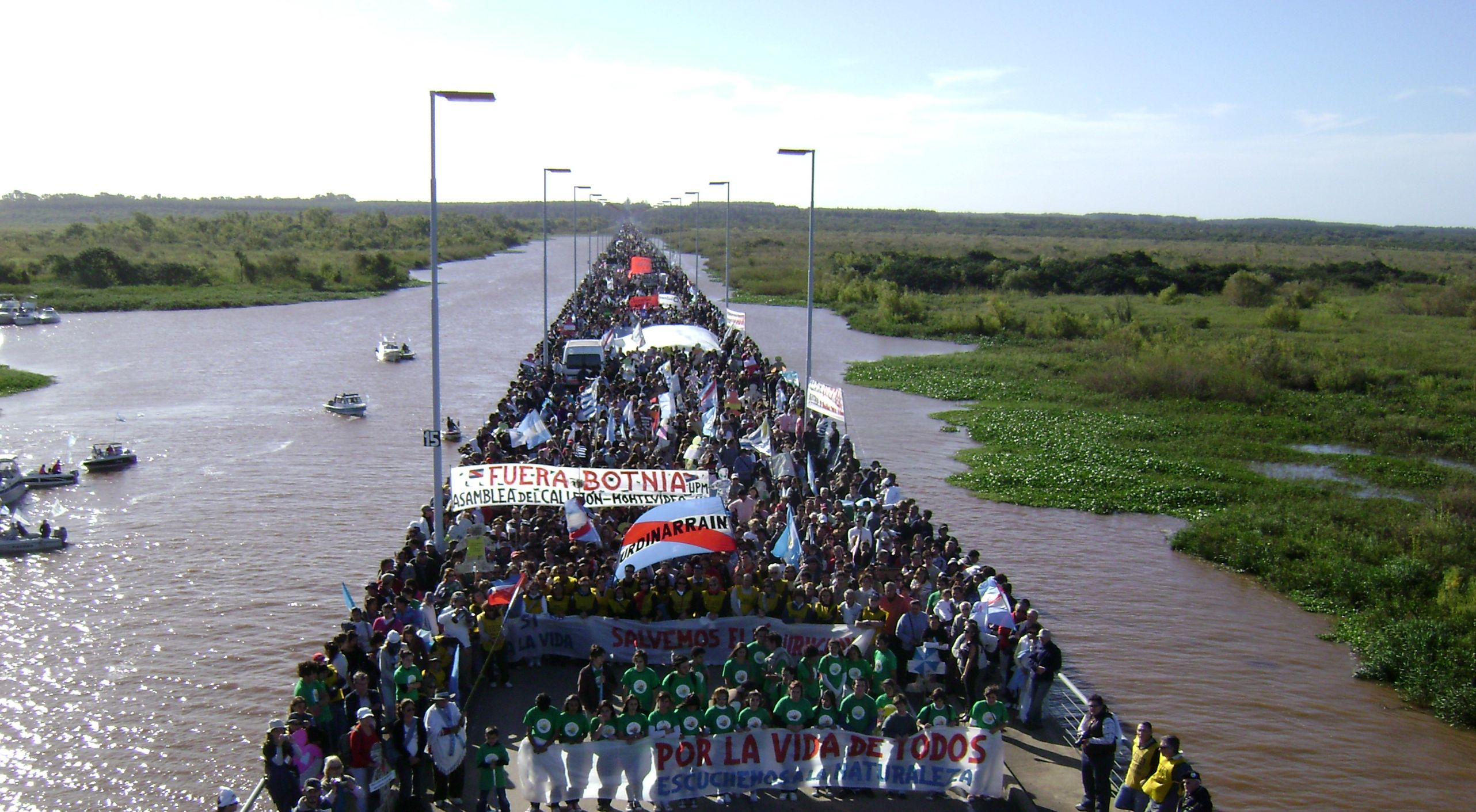 marcha-contra-upm-ex-botnia-gualeguaychc3ba-7-de-mayo-de-20112