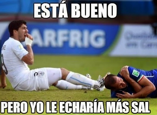 los mejores memes de las mordidas de Suarez8
